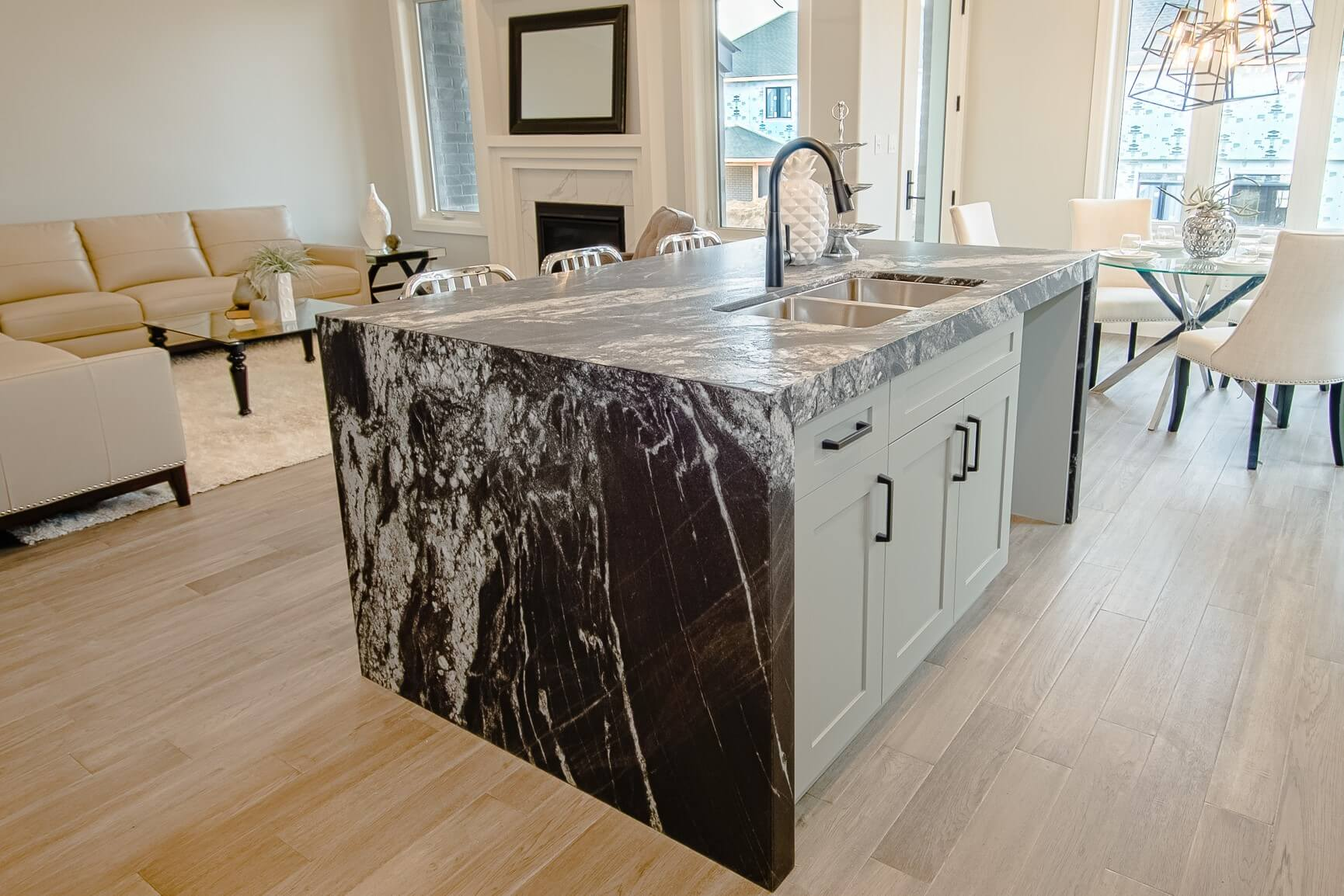 Silver Wave Leathered Granite Sloan